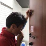 防犯リフォーム、名古屋市千種区、防犯フィルム・玄関/窓の主錠増設工事が完了。