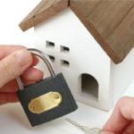 玄関からの空き巣侵入を防ぐには?防犯対策のプロがその秘策を教えます!