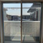 空き巣対策、愛知県豊橋市、窓・勝手口への防犯防犯フィルム・防犯窓鍵施工工事が完了。